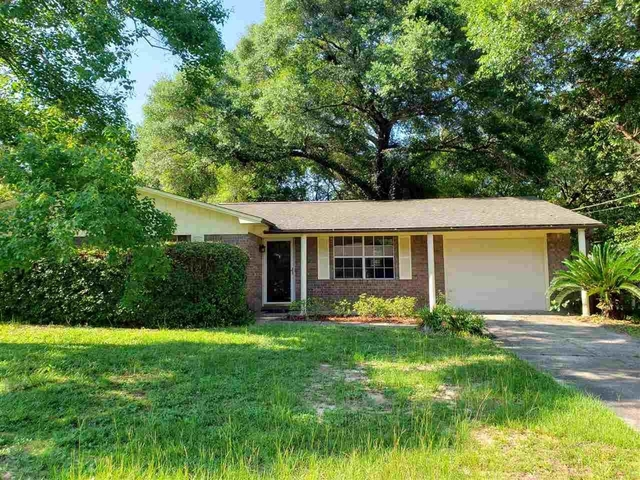 3 Bedrooms, Pine Forest Heights Rental in Pensacola, FL for $1,095 - Photo 1