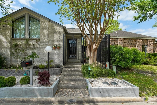 3 Bedrooms, Executive Row Townhome Rental in Houston for $1,850 - Photo 1