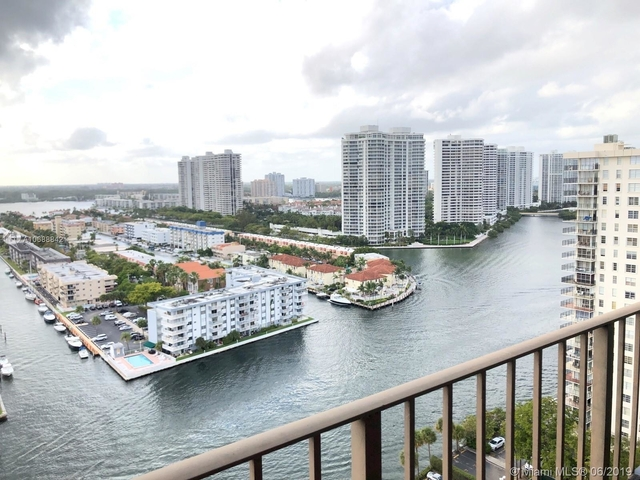 2 Bedrooms, Sunny Isles Beach Rental in Miami, FL for $1,950 - Photo 2