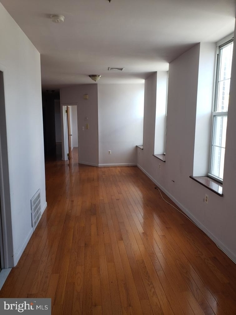 3 Bedrooms, Chinatown Rental in Philadelphia, PA for $2,300 - Photo 2