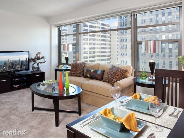 2 Bedrooms, East Hyde Park Rental in Chicago, IL for $1,553 - Photo 2