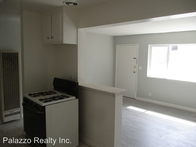 2 Bedrooms, Civic Center Rental in Los Angeles, CA for $1,595 - Photo 2