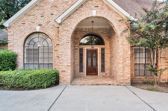 3 Bedrooms, Champion Lake Rental in Houston for $2,200 - Photo 2