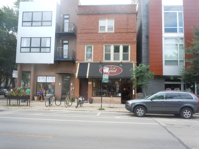 2 Bedrooms, Roscoe Village Rental in Chicago, IL for $1,400 - Photo 1