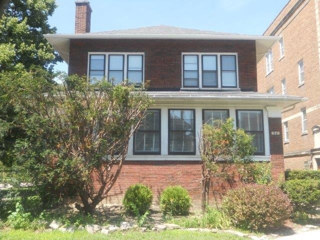3 Bedrooms, Oak Park Rental in Chicago, IL for $1,950 - Photo 1