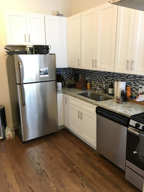 2 Bedrooms, West Town Rental in Chicago, IL for $2,100 - Photo 2