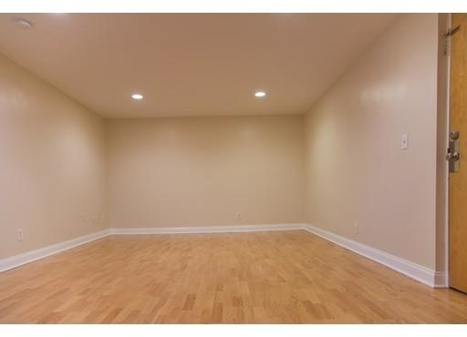 2 Bedrooms, South Side Rental in Boston, MA for $2,100 - Photo 1