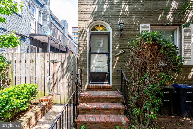 2 Bedrooms, Foggy Bottom Rental in Washington, DC for $3,100 - Photo 2