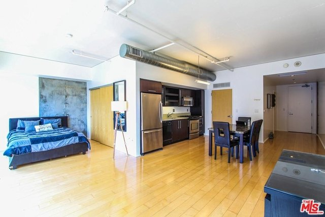 1 Bedroom, South Park Rental in Los Angeles, CA for $2,695 - Photo 2