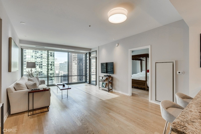 2 Bedrooms, Streeterville Rental in Chicago, IL for $4,000 - Photo 2