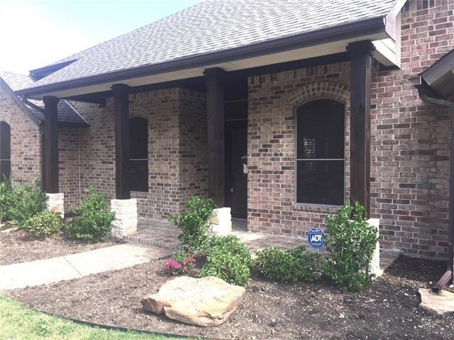 3 Bedrooms, Legend Bend Rental in Dallas for $2,025 - Photo 2