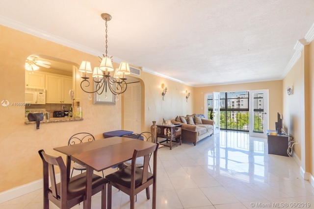 2 Bedrooms, Coral Way Rental in Miami, FL for $1,800 - Photo 1