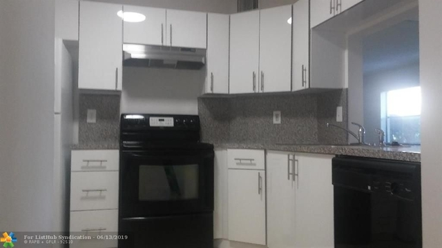 1 Bedroom, Country Club Rental in Miami, FL for $1,275 - Photo 2