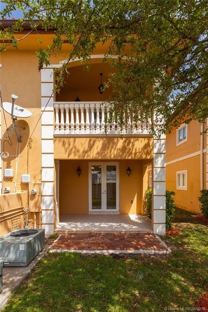 3 Bedrooms, Silver Bluff Rental in Miami, FL for $2,950 - Photo 2