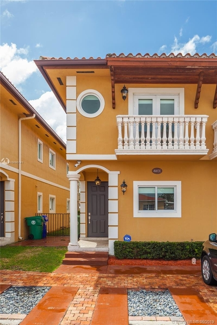 3 Bedrooms, Silver Bluff Rental in Miami, FL for $2,950 - Photo 1