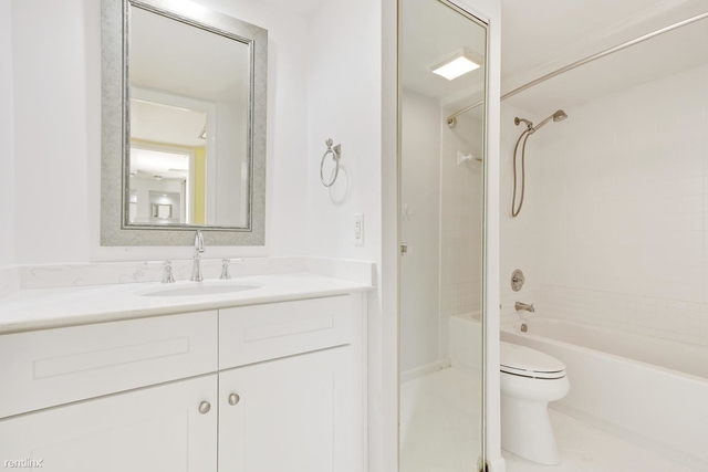 2 Bedrooms, Glenwood Townhomes Rental in Miami, FL for $2,000 - Photo 2