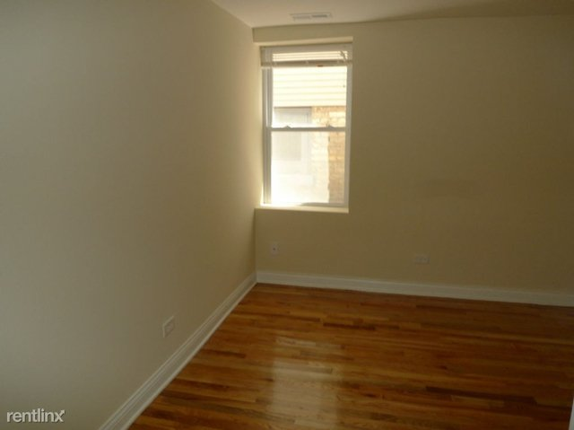 3 Bedrooms, Lathrop Rental in Chicago, IL for $2,100 - Photo 2