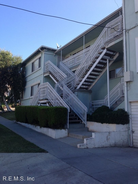2 Bedrooms, North Inglewood Rental in Los Angeles, CA for $1,795 - Photo 1