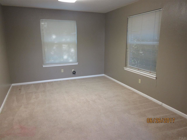 4 Bedrooms, Briarcliff Rental in Pensacola, FL for $1,400 - Photo 2