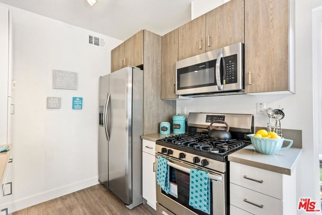 2 Bedrooms, North Inglewood Rental in Los Angeles, CA for $2,450 - Photo 2