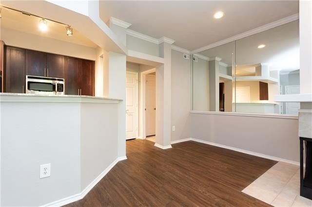 2 Bedrooms, Vickery Place Rental in Dallas for $2,248 - Photo 2