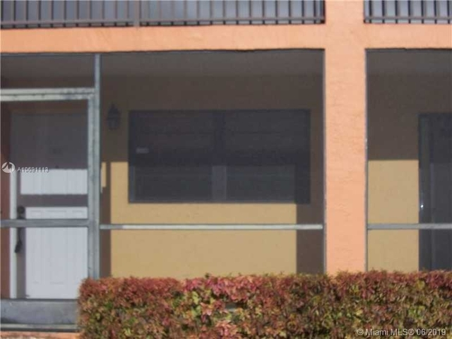 2 Bedrooms, Moors Townhouses Rental in Miami, FL for $1,450 - Photo 1