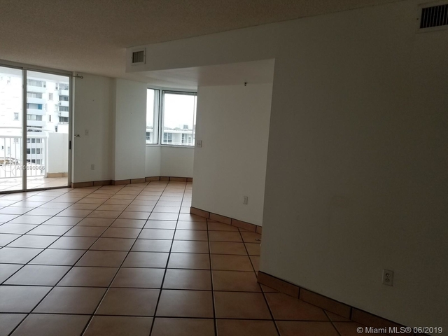 2 Bedrooms, West Avenue Rental in Miami, FL for $2,650 - Photo 2