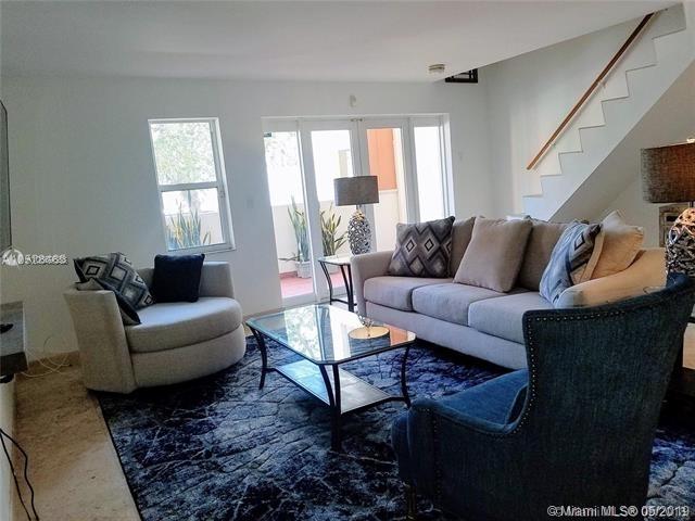 2 Bedrooms, Lenox Manor Rental in Miami, FL for $2,700 - Photo 2