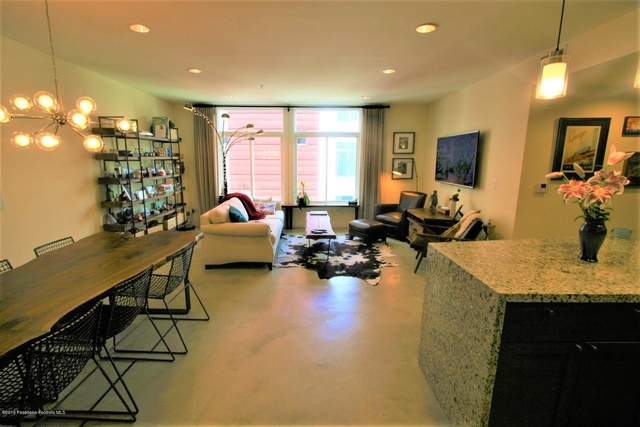 2 Bedrooms, Downtown Pasadena Rental in Los Angeles, CA for $3,600 - Photo 1