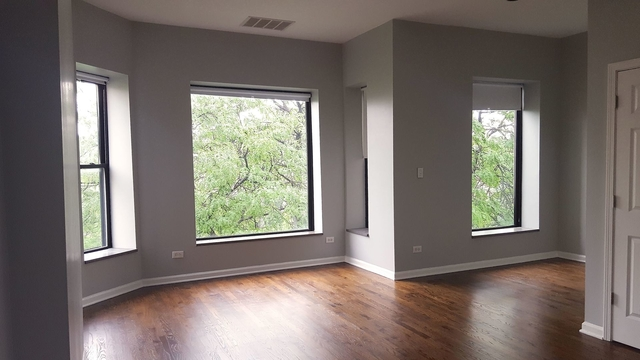 2 Bedrooms, Palmer Square Rental in Chicago, IL for $2,550 - Photo 2