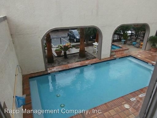 2 Bedrooms, Downtown Galveston Rental in Houston for $1,810 - Photo 2