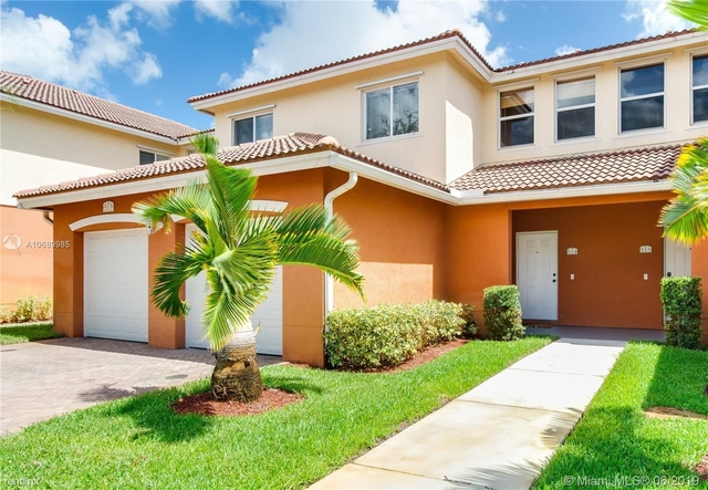 3 Bedrooms, Seventh Day Rental in Miami, FL for $2,175 - Photo 1