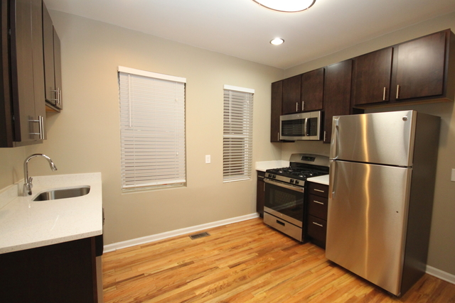 1 Bedroom, Bucktown Rental in Chicago, IL for $1,800 - Photo 2