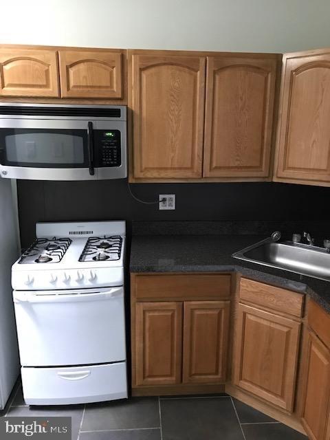 2 Bedrooms, Spruce Hill Rental in Philadelphia, PA for $1,300 - Photo 2