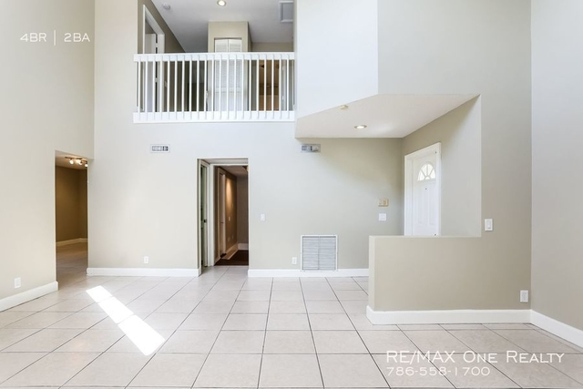 4 Bedrooms, Country Isles Garden Homes Rental in Miami, FL for $2,400 - Photo 2