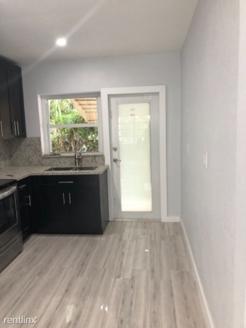 2 Bedrooms, Hialeah Park Rental in Miami, FL for $1,750 - Photo 2