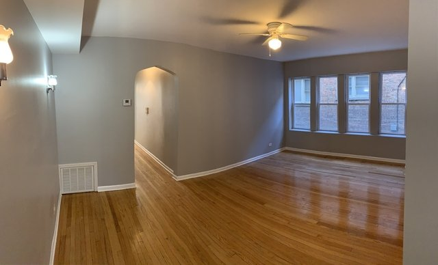 3 Bedrooms, South Shore Rental in Chicago, IL for $1,200 - Photo 2