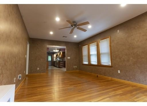 3 Bedrooms, Maplewood Highlands Rental in Boston, MA for $2,420 - Photo 2