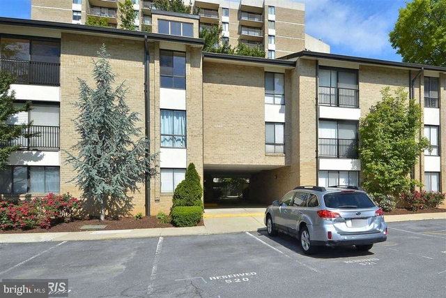 2 Bedrooms, Central Rockville Rental in Washington, DC for $2,150 - Photo 1
