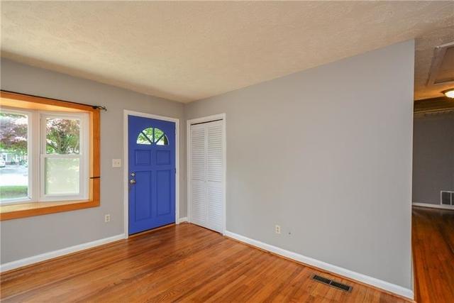 3 Bedrooms, North Atlanta Rental in Atlanta, GA for $2,250 - Photo 2