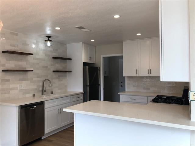 3 Bedrooms, Westside Costa Mesa Rental in Los Angeles, CA for $3,600 - Photo 2