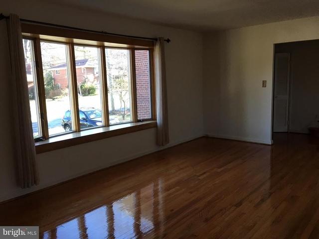 4 Bedrooms, Bethesda Rental in Washington, DC for $3,100 - Photo 2