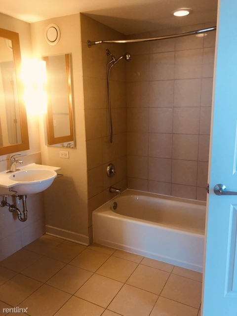 1 Bedroom, Grant Park Rental in Chicago, IL for $1,970 - Photo 2