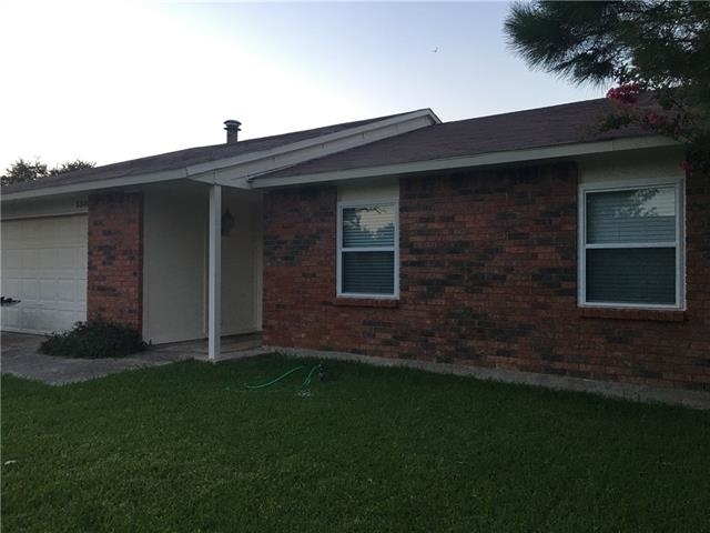 3 Bedrooms, The Colony Rental in Dallas for $1,625 - Photo 2