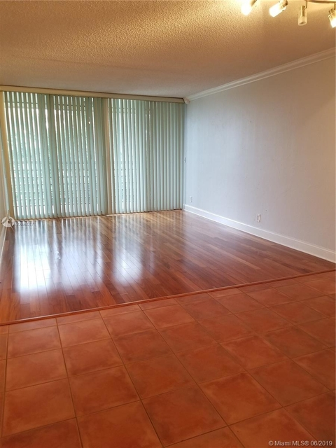 2 Bedrooms, Pine Island Ridge Rental in Miami, FL for $1,400 - Photo 2