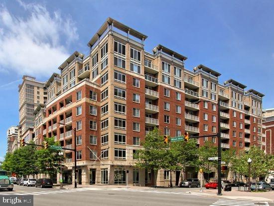 2 Bedrooms, Ballston - Virginia Square Rental in Washington, DC for $2,900 - Photo 1
