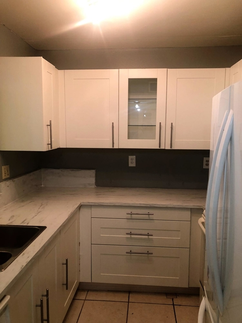 2 Bedrooms, Royal Land Rental in Miami, FL for $1,250 - Photo 2