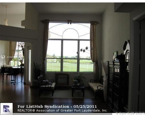4 Bedrooms, Rlling Hills Golf & Tennis Club Rental in Miami, FL for $4,000 - Photo 2