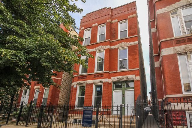 2 Bedrooms, West Town Rental in Chicago, IL for $1,625 - Photo 1