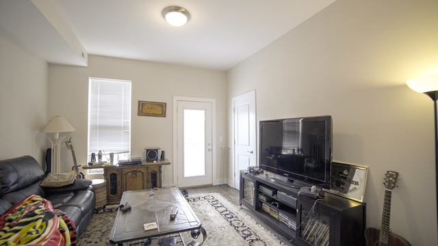 2 Bedrooms, West Town Rental in Chicago, IL for $1,625 - Photo 2